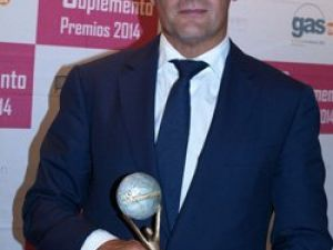 Sanyres galardonada con el premio a La asistencia medica por el suplemento de La razón