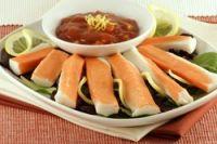Palitos de cangrejo con salsa picante