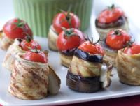 Rollos de berenjenas con tomate