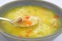 Sopa de arroz con zanahorias
