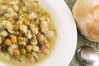 Sopa de garbanzos con verdura