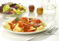 Raviolis con salsa de tomate