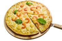 Pizza con gambas y piña