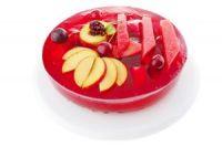 Tarta de gelatina de fresa con manzana y sandía