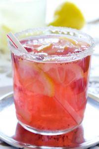 Zumo de limón y granadina