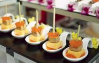 Pinchitos de foie, mermelada y queso