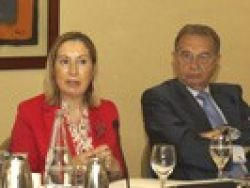 Ana Pastor: La política socio-sanitaria necesita una reforma urgente