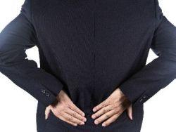 Dolor lumbar al estar sentado: ¿a qué se debe?