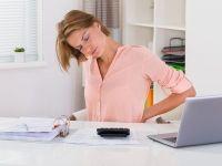 5 consejos para mejorar tus posturas: cuando te sientas, al cargar peso, si permaneces de pie mucho tiempo...