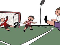Jubilados jugando al fútbol