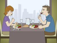 Pareja de jubilados comiendo en un restaurante