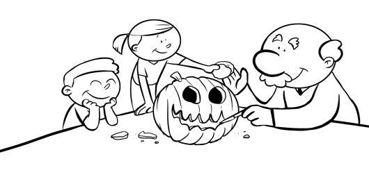 Abuelo y nietos haciendo una calabaza de halloween