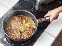 El truco de la abuela para quitar el exceso de sal en la comida