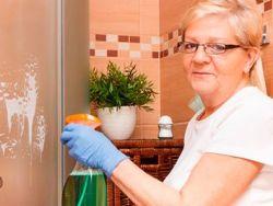 2 trucos de la abuela para limpiar la mampara de la ducha