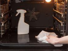 El truco de la abuela para limpiar el horno