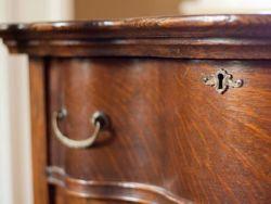 El truco de la abuela para unos muebles brillantes