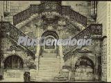 Escalinata dorada de la puerta alta de la catedral de burgos