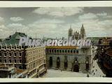 Vista alejada de la catedral de león
