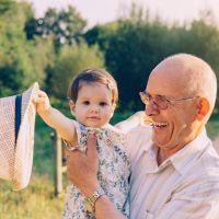 TEST: ¿Sabes cómo cuidar de tus nietos?