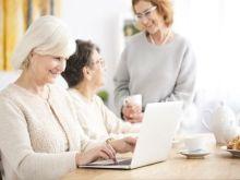Las personas mayores, cada vez más aficionadas a las redes sociales