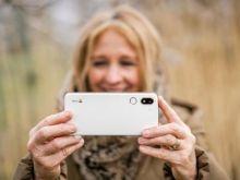 Un nuevo smartphone pensado para séniors 'activos'