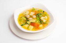 Sopa de albóndigas de pollo y verduras