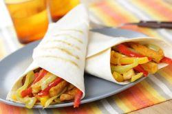 Burritos de verduras y pollo