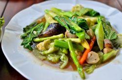 Salteado de verduras estilo tai