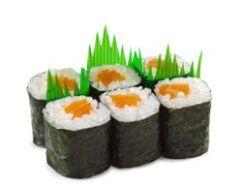 Sushi con salmón