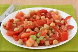 Garbanzos tibios con tomate