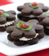 Flores de chocolate con crema