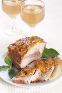 Cerdo asado con salsa de albaricoque