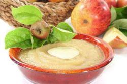 Compota de manzana con salsa de vainilla