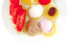 Frutas con sombrero de helado