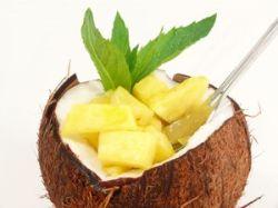 Coco relleno de piña
