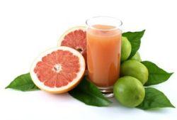 Zumo vitamínico de pomelo y limón