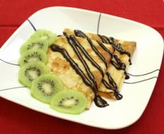 Crepes con kiwi y chocolate