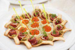 Pinchos de jamón y caviar